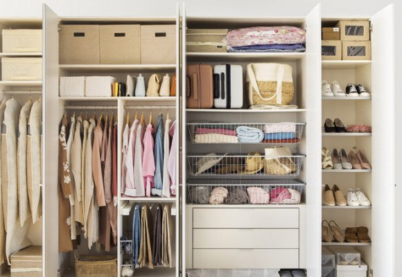 Wie macht man den Wechsel im Kleiderschrank am besten?